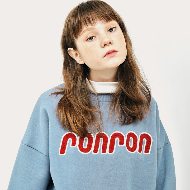 [1/19예약배송]BOUCLE POINT SWEATSHIRT DUSTY BLUE (PVC백 증정)